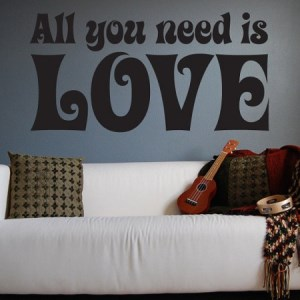 Adesivo-all-we-need-is-love