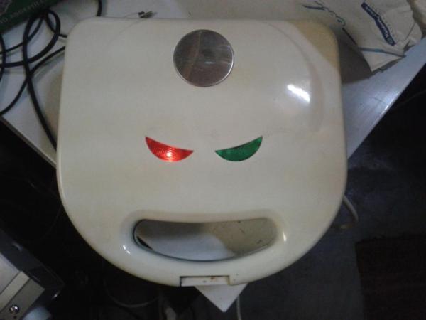 Evil-toaster_-Imgur