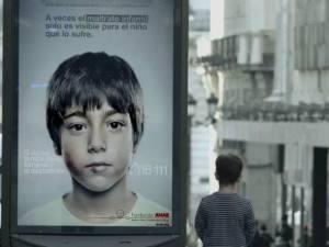 size_590_Ação_contra_abuso_infantil_tem_mensagem_que_só_crianças_veem (1)